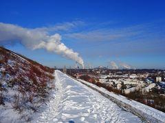 Ausblick von der Halde Rungenberg auf Gelsenkirchen im Februar 2021