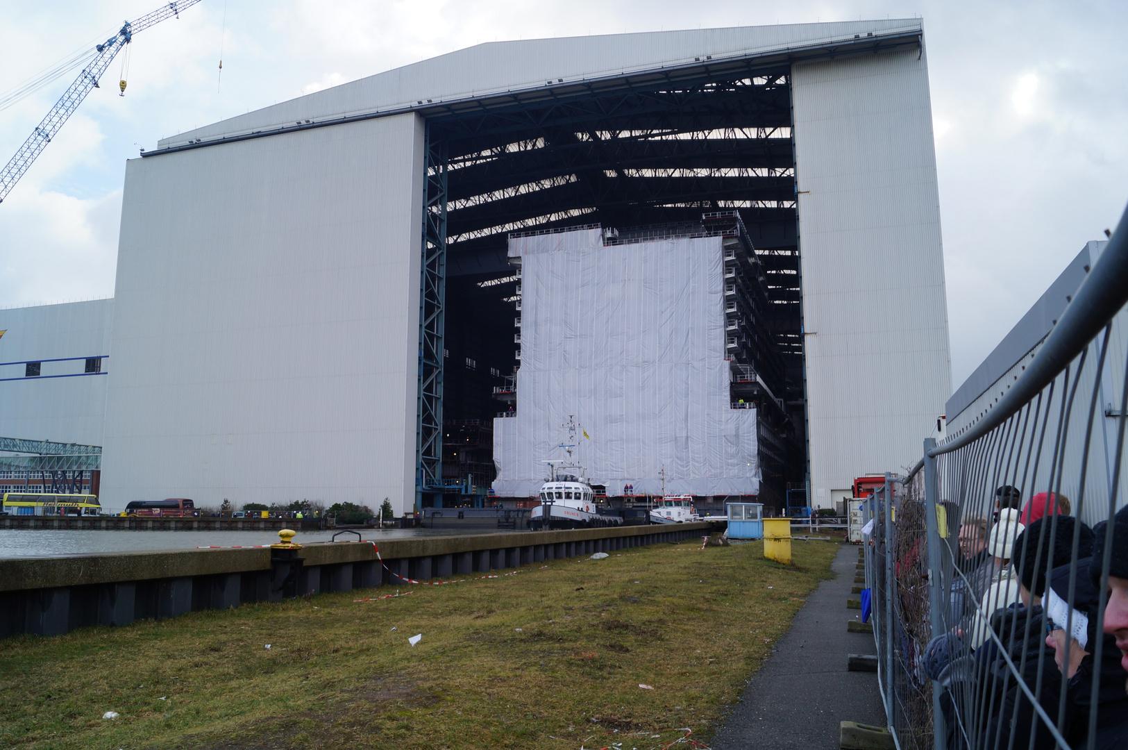 Ausdocken auf der Meyer Werft Teil 12
