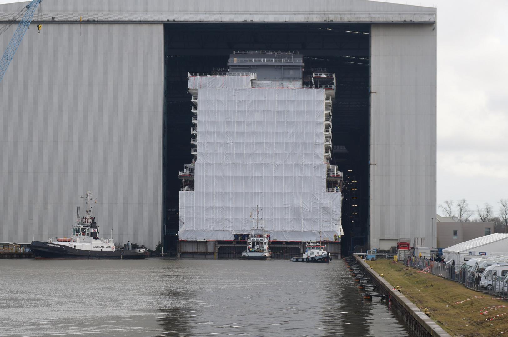 Ausdocken auf der Meyer Werft Teil 16