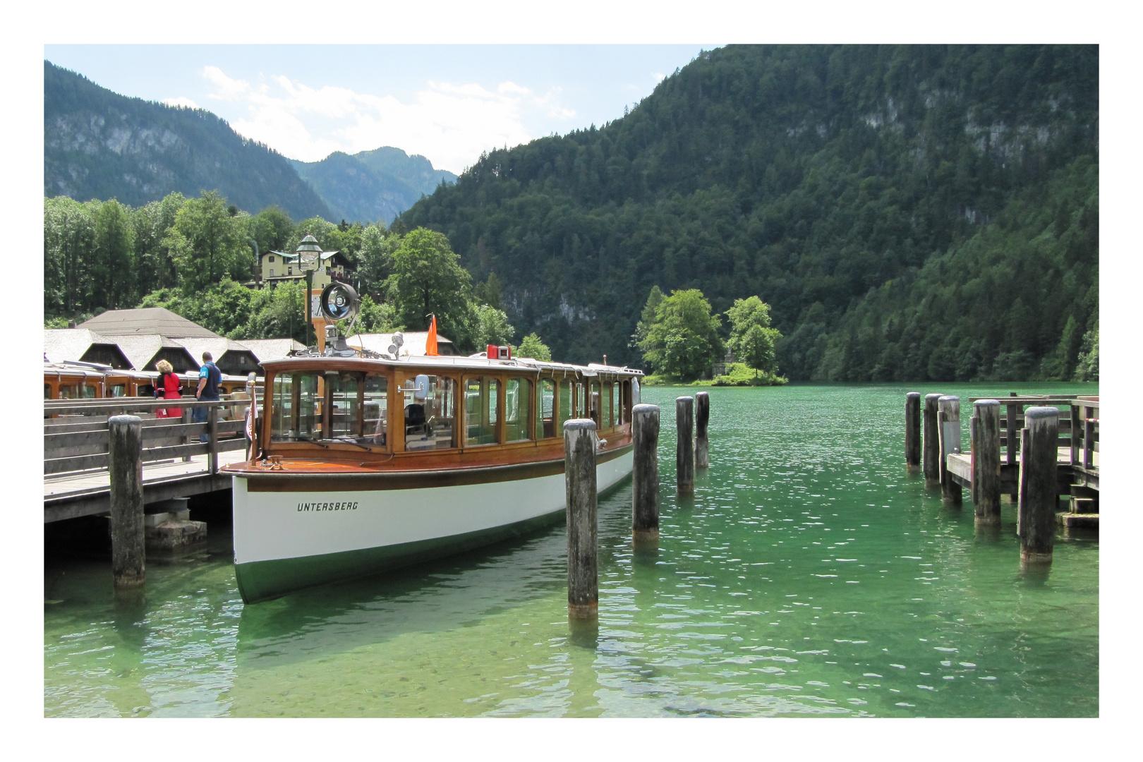 ++ Ausflugsschiff am Königssee ++
