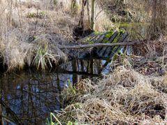 Ausgedient hat diese ehemalige Brücke im