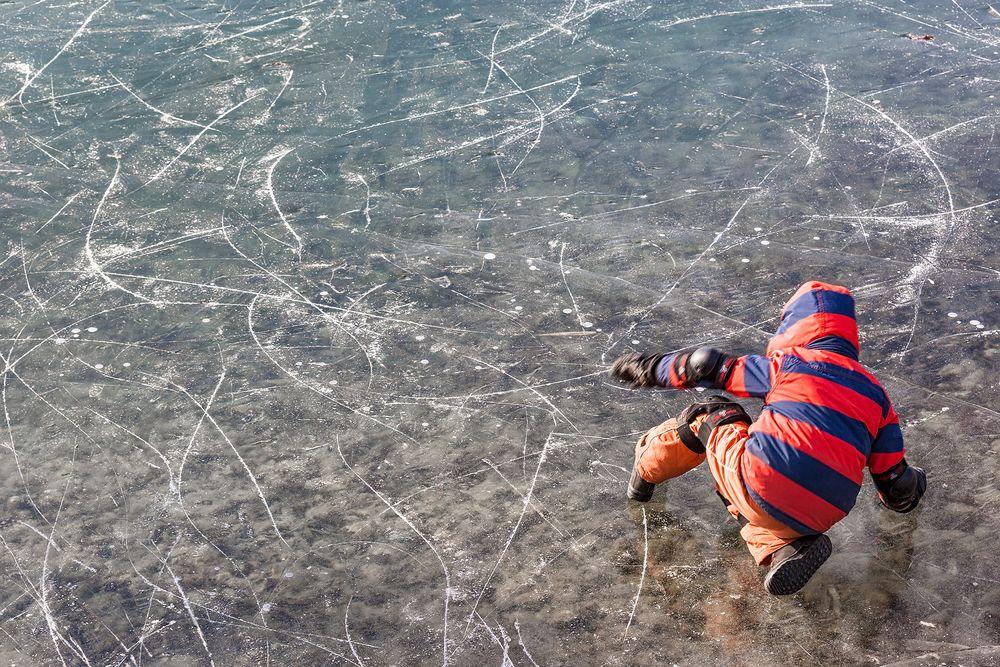 ausgerutscht am glatten Eis