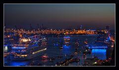 Auslaufparade der Hamburg Cruise Days 2012