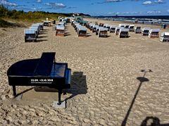 ... Ausschau nach dem Pianisten ...