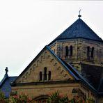 Aussenansichten von Kirchen