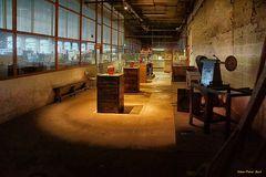 Ausstellungsraum in einer alten Kristallfabrik