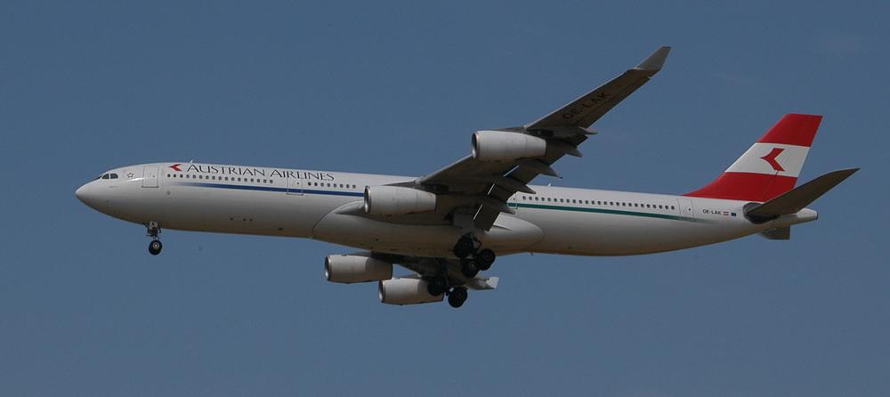 Austrian Airlines Airbus A340-313X