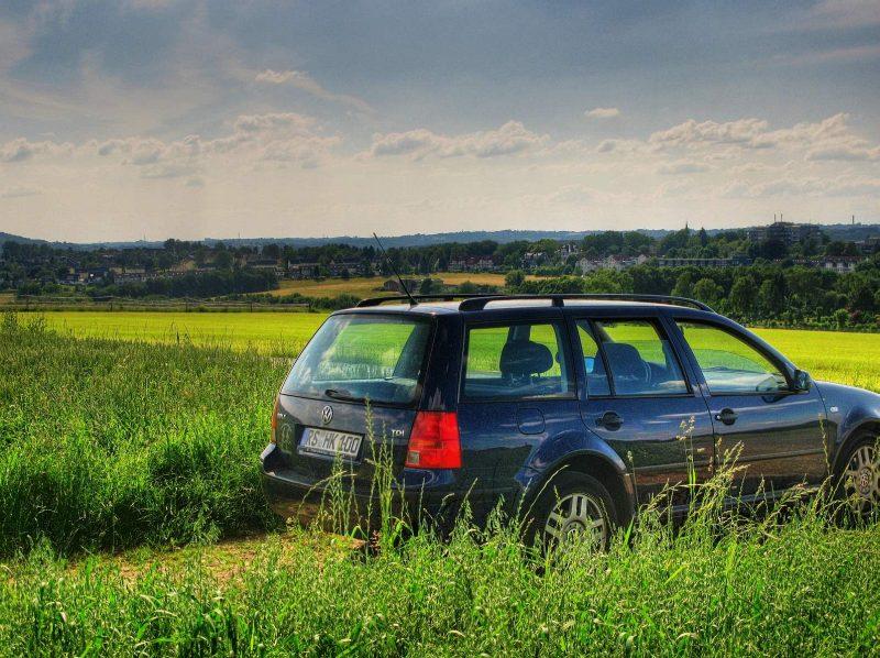Auto und Natur