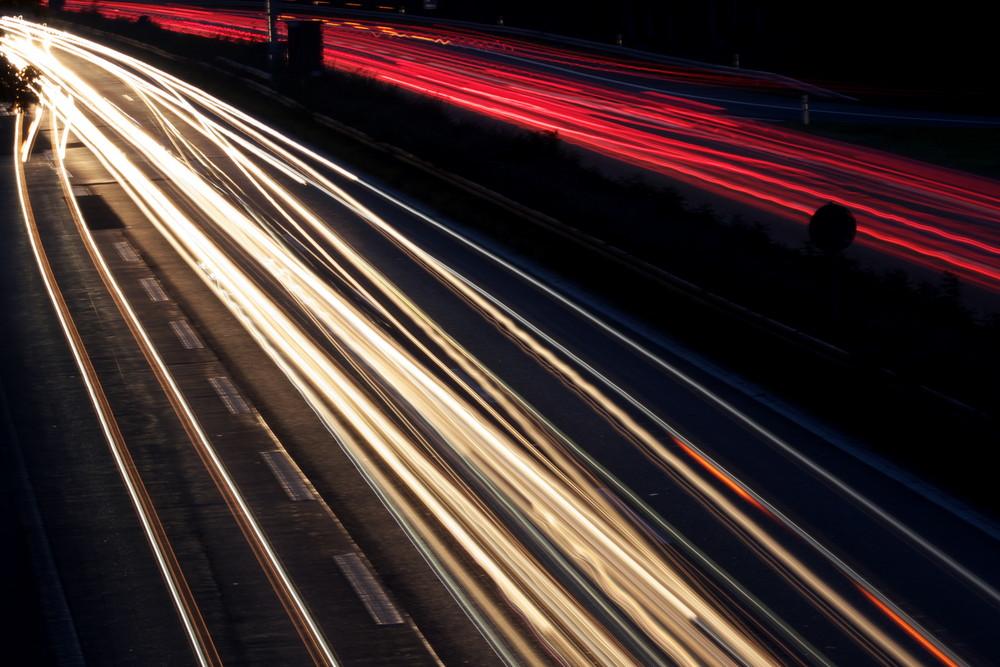 Autobahn am Abend 01