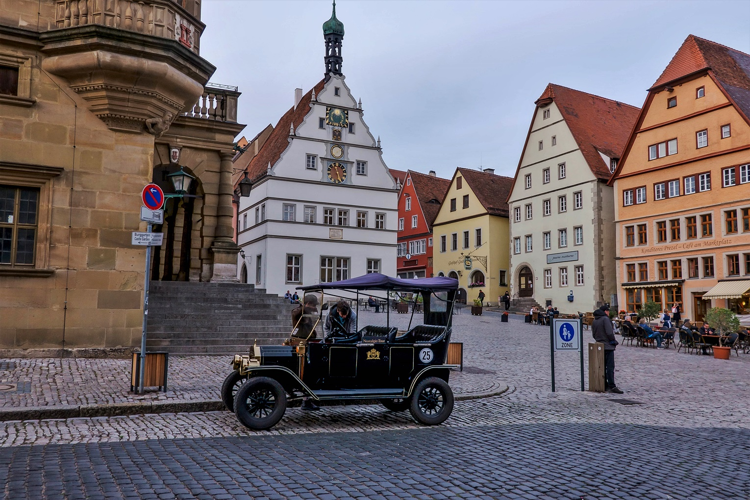 Automobil in Rothenburg o.d. T.
