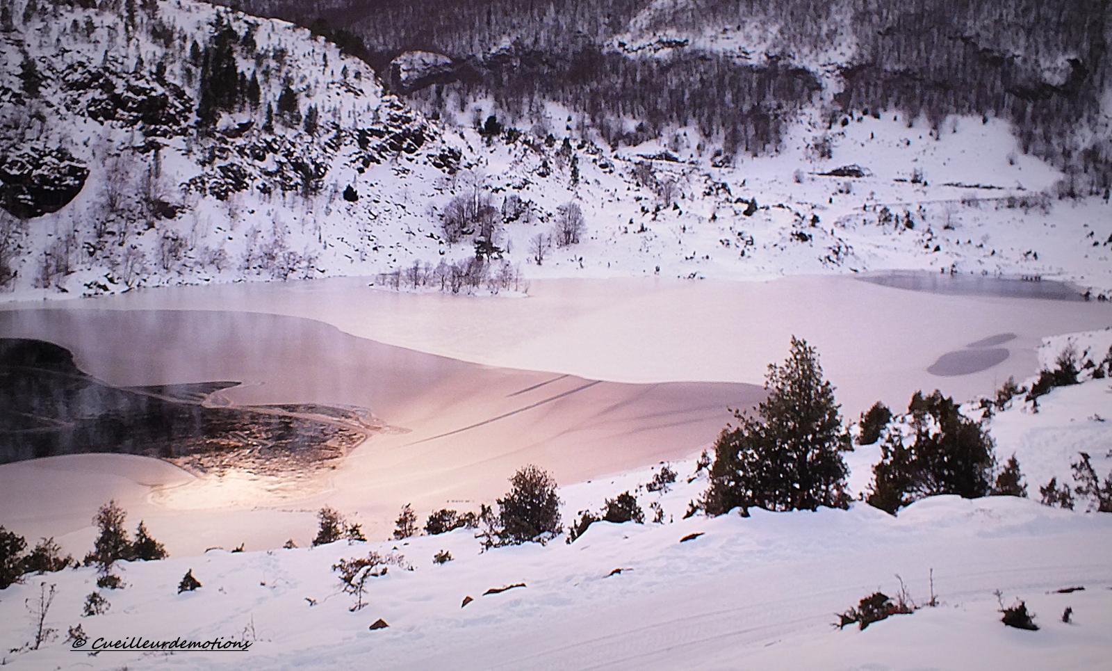 autour du lac gelé