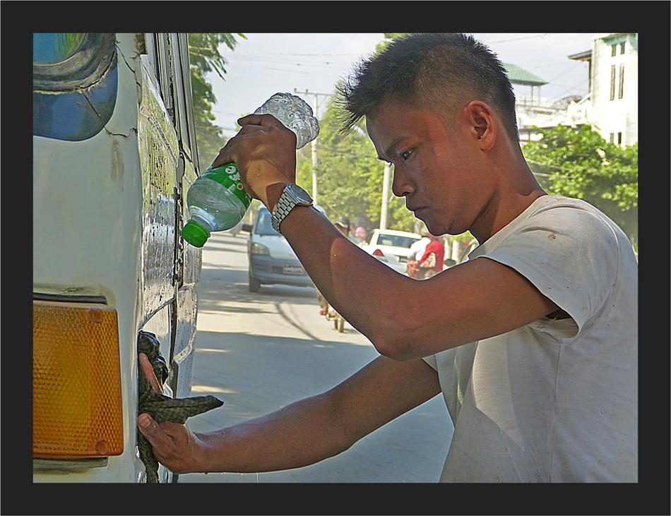 Autowäsche in Mandalay