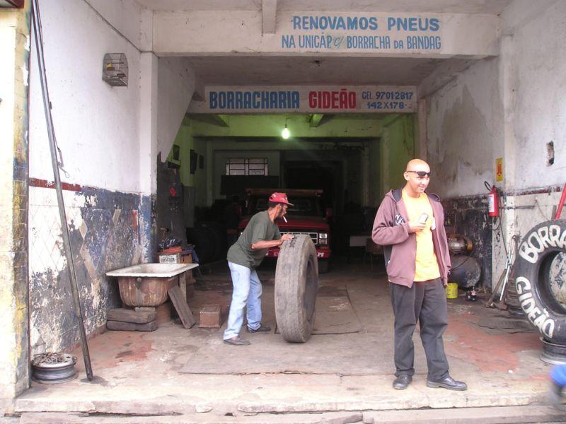 Autowerkstatt in Santos