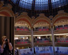 Aux Nouvelles Galeries, Paris ....