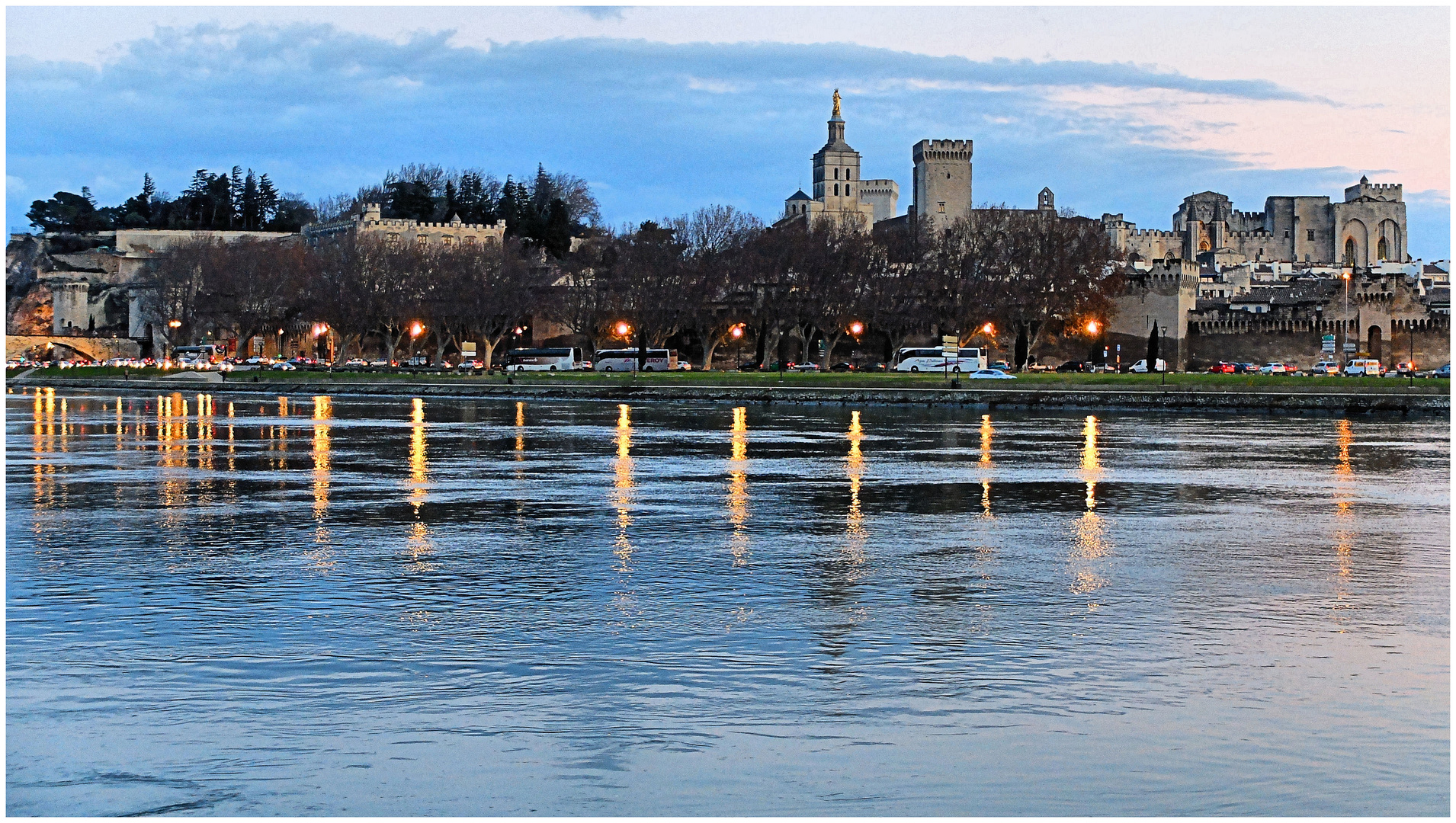 Avignon au couchant...