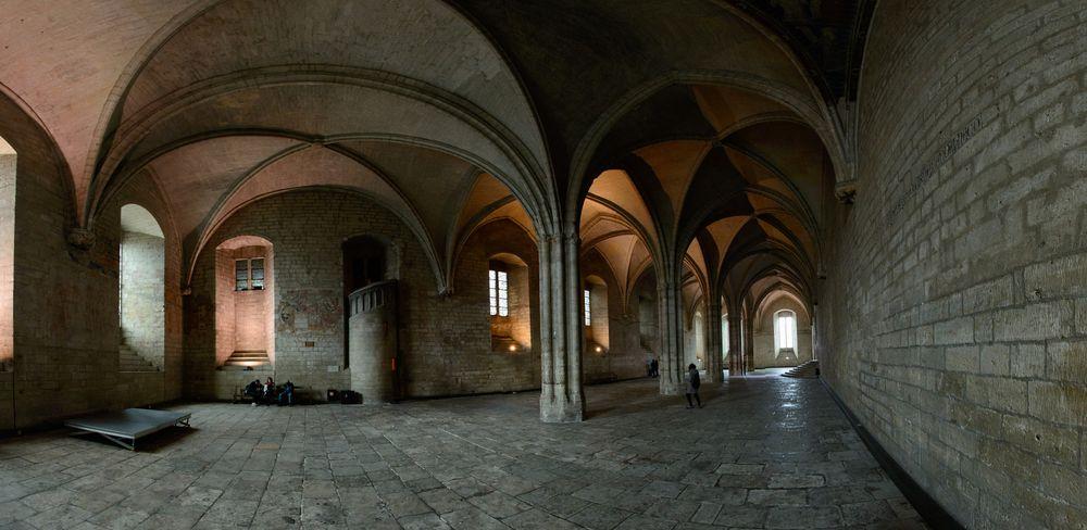 Avignon Papstpalast Audienzhalle Pano