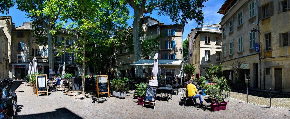 Avignon  Place Cloître Saint-Pierre Pano