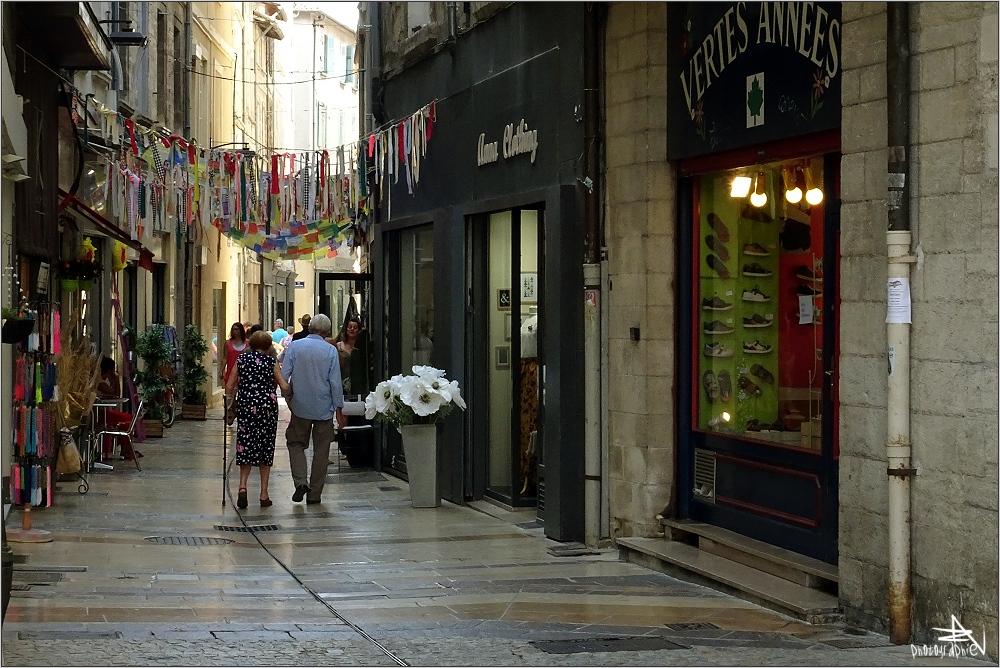 Avignon - Ruelle commerçante