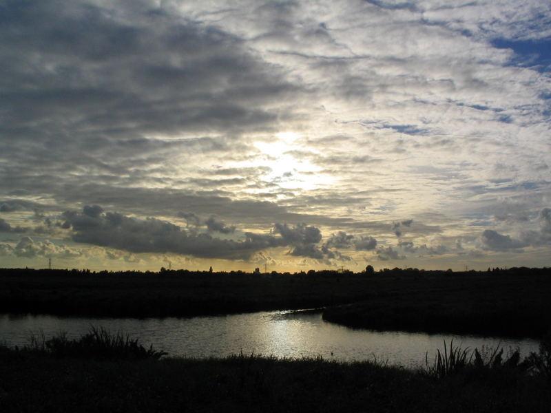 Avondlucht in de polder