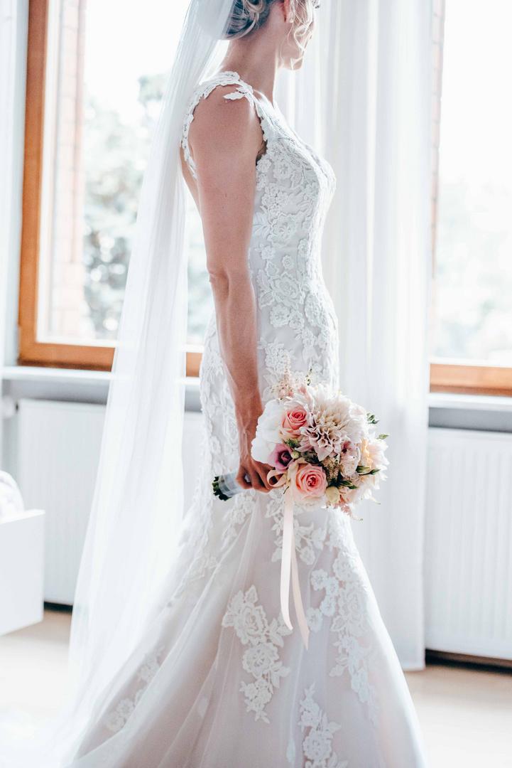 awaiting her groom