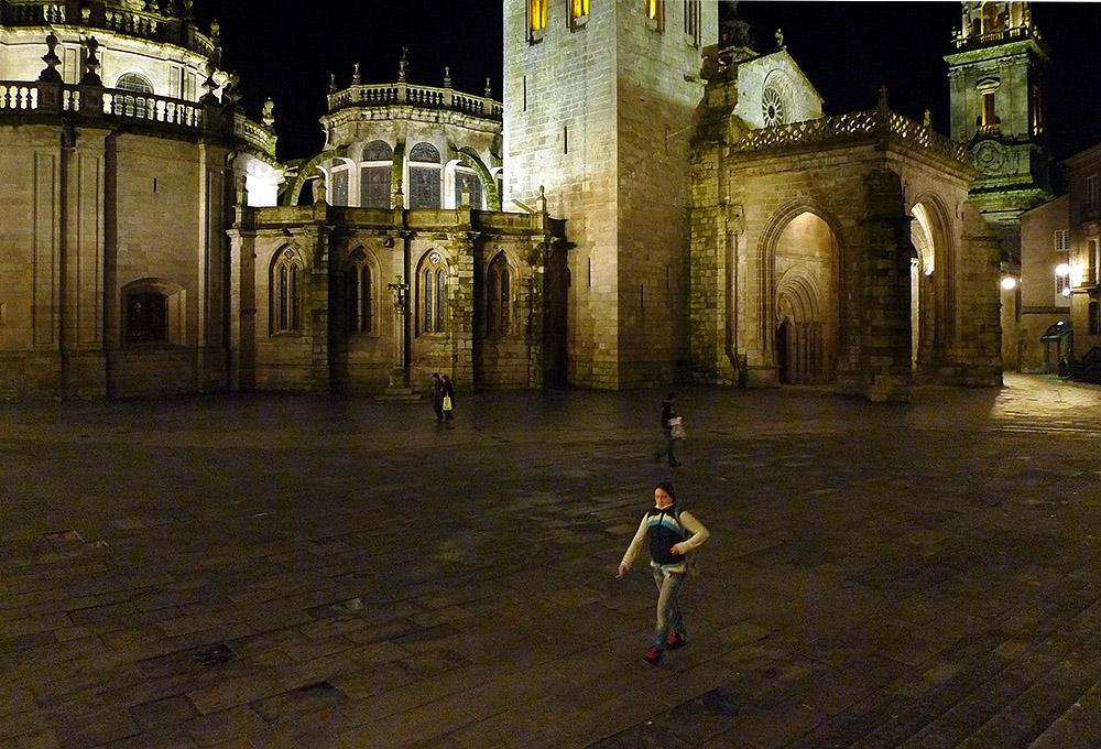 Ayer.Delante de la catedral de Lugo