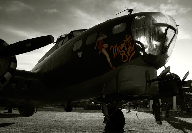 B-17 memphis bell