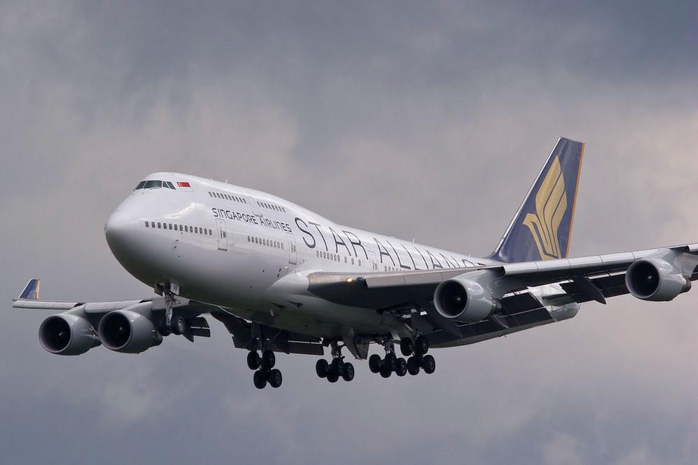 B 747-400 9V-SPP