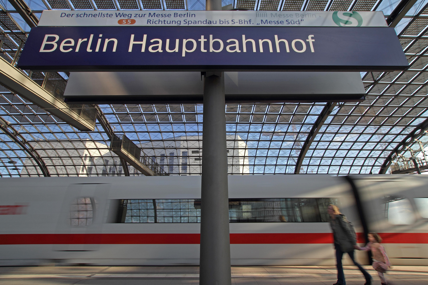B - Berlin-Hauptbahnhof