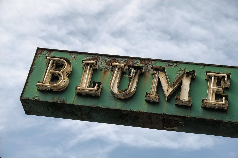 B L U M E