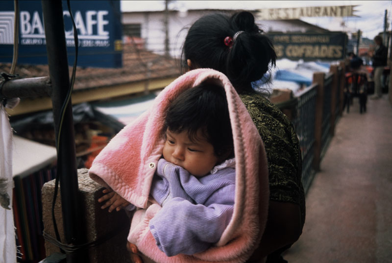 Baby am Arm -Chichicastenango