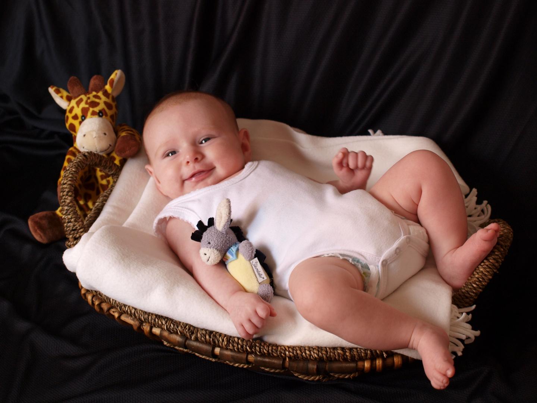 Baby im Körbchen :o)