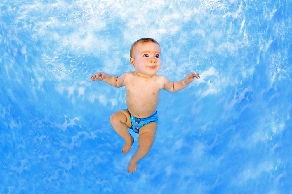 Babyschwimmen - Unterwasser Foto