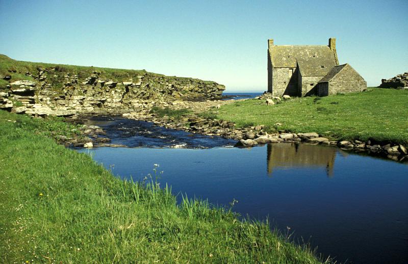 Bachmündung an der schottischen Nordwestküste
