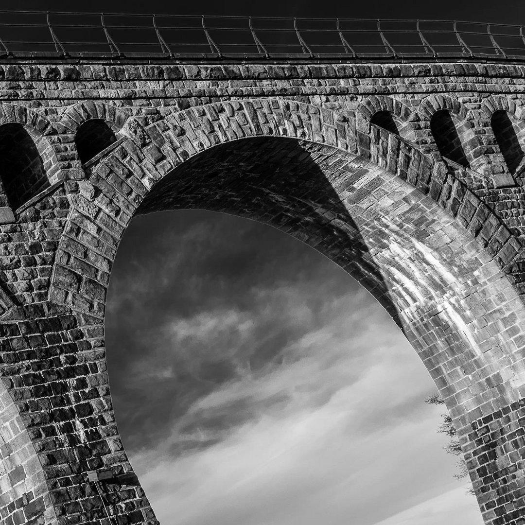 Bad Endbach: Viadukt am 14. April 2015