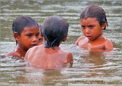 Bad im Rio Siapa/Amazonas