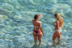 Badenixen an der italienischen Riviera.
