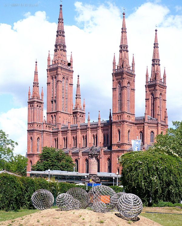 Bälle vor der Marktkirche