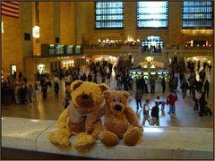 Bärt und Bärnd warten auf den Zug