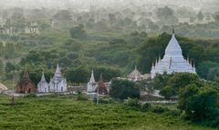 ...Bagan aus der Luft...