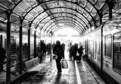 Bahnhof - Ankommen und Wegfahren
