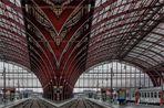 Bahnhof Antwerpen-Centraal ....