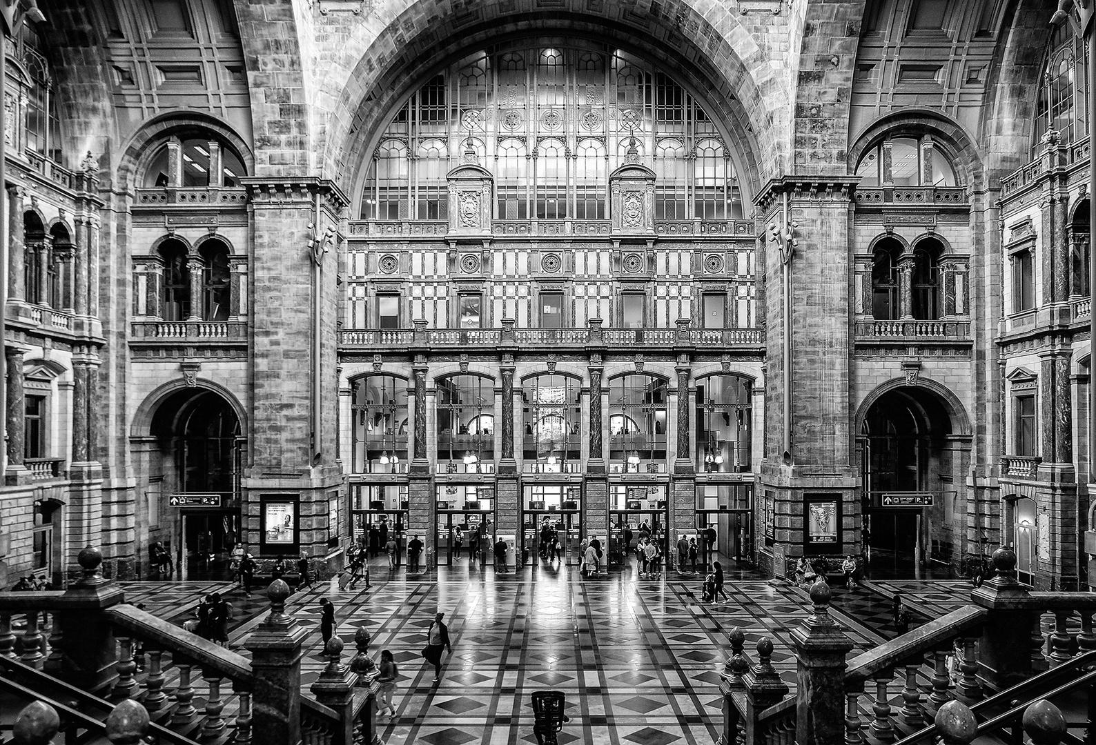 Bahnhof Antwerpen-Centraal - Ausbelichtung in der Digital Photo Ausgabe 03 / 2018