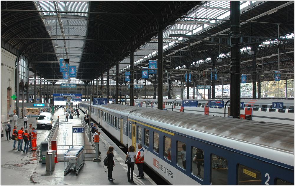 .... Bahnhof Basel SBB ...