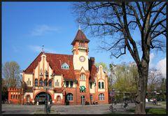 ...Bahnhof Berlin-Nikolassee...