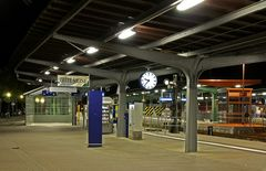 "Bahnhof-Goslar "" Goslarer HBF am Abend """