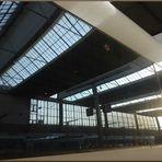 Bahnhof im Zug