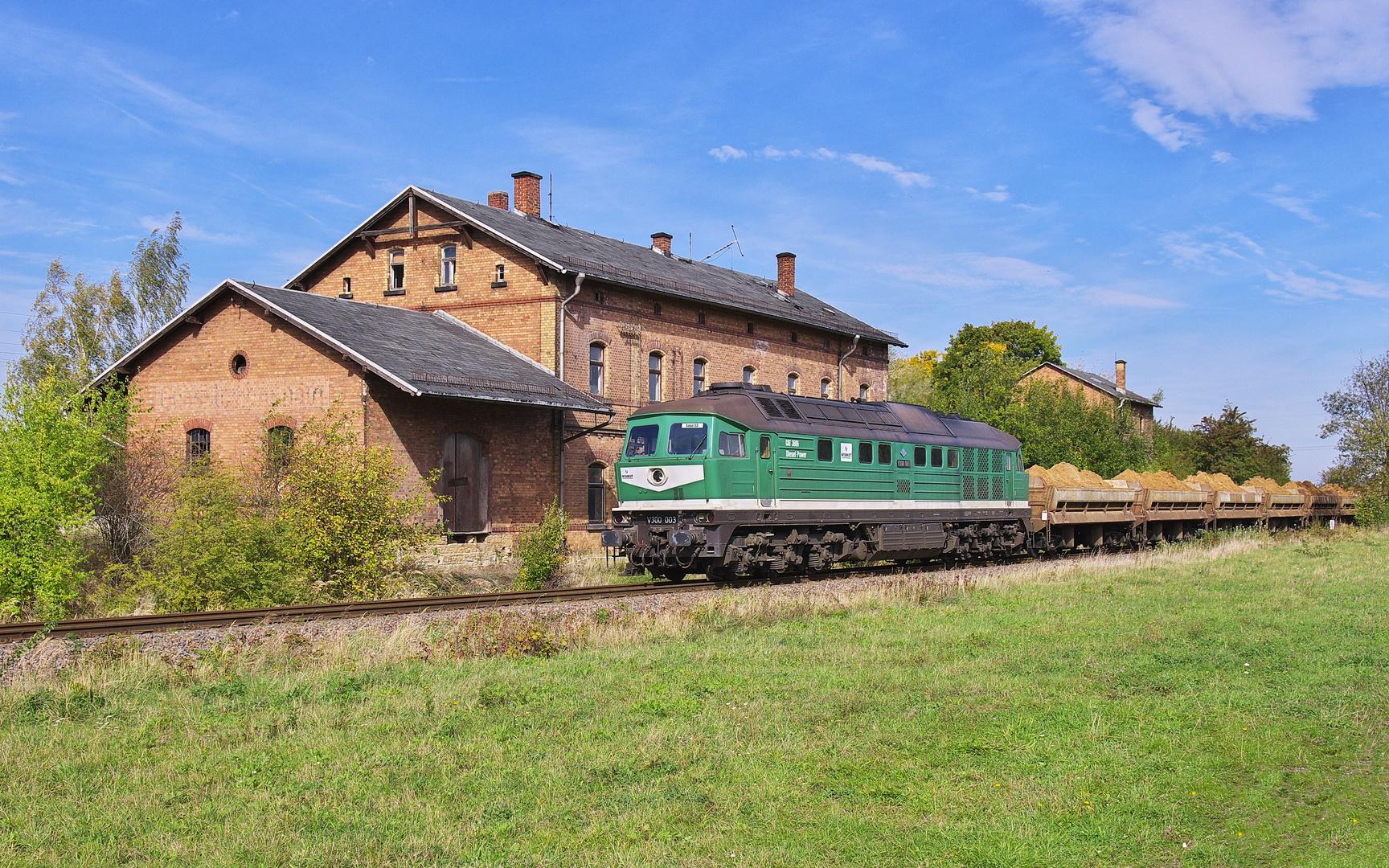 Bahnhof Lumpzig - jetzt mit Grünfläche ;-)