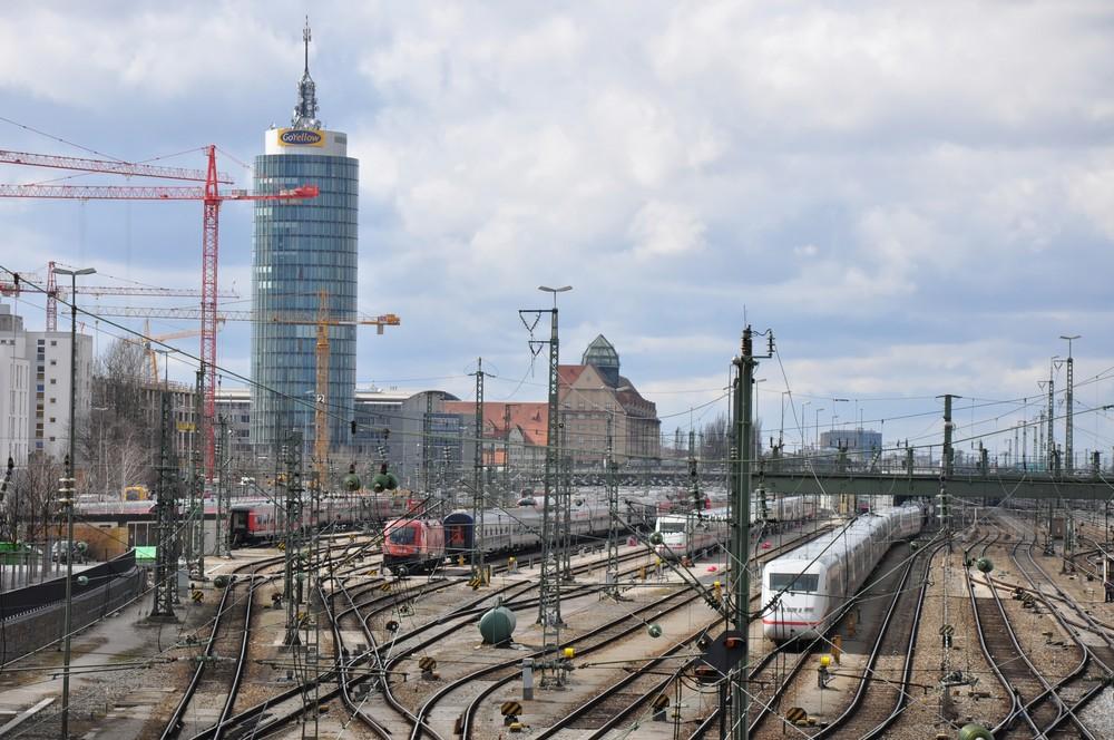 Bahnhof Münche, Ausfahrt...