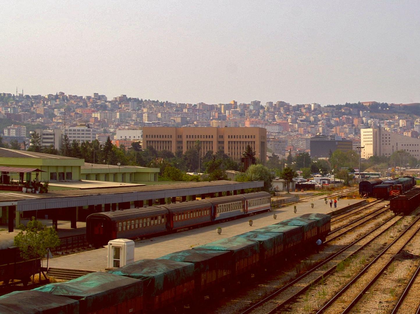 Bahnhof und Stadt Samsun am Schwarzen Meer