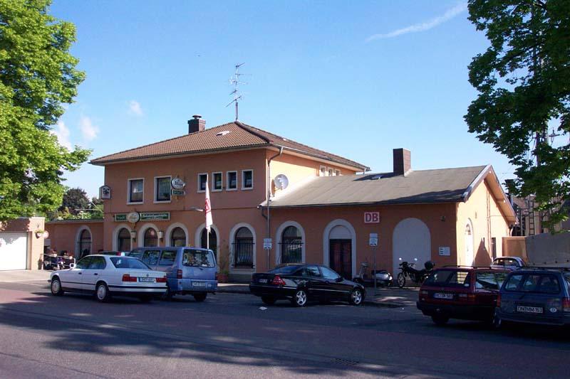 Bahnhofsvorplatz in Langerwehe / Kreis Düren